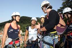 Formula Unas girls in a mountain climbing expedition: Danel Gracia amd Paola Ramirez