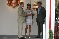 El príncipe Alberto II de Mónaco, princesa Caroline de Mónaco, Ernst agosto V, príncipe de Hannover