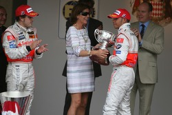 Podium: Fernando Alonso, McLaren Mercedes, Princess Caroline of Monaco and Lewis Hamilton, McLaren Mercedes