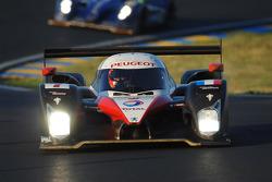 标致道达尔车队7号标致908 HDi-FAP赛车:马克·吉内、雅克·维伦纽夫、尼古拉斯·米纳西恩