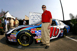 Greg Biffle will drive the No. 16 Aflac Ford for its debut at the NEXTEL Cup race on July 1st at New