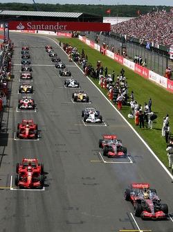 Cars start the formation lap, Lewis Hamilton, McLaren Mercedes, MP4-22, Kimi Raikkonen, Scuderia Ferrari, F2007, Fernando Alonso, McLaren Mercedes, MP4-22