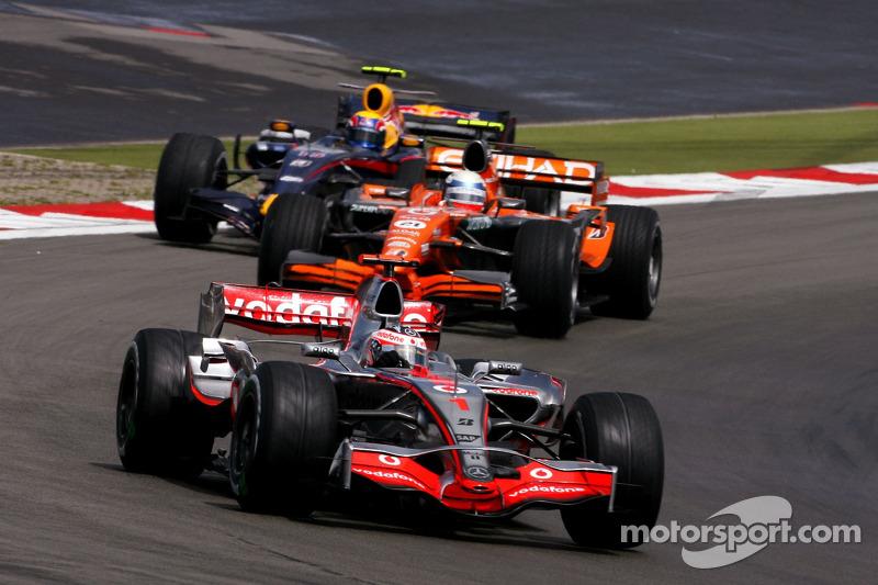 Фернандо Алонсо, McLaren Mercedes, Маркус Вінкельхок, Spyker F1 Team