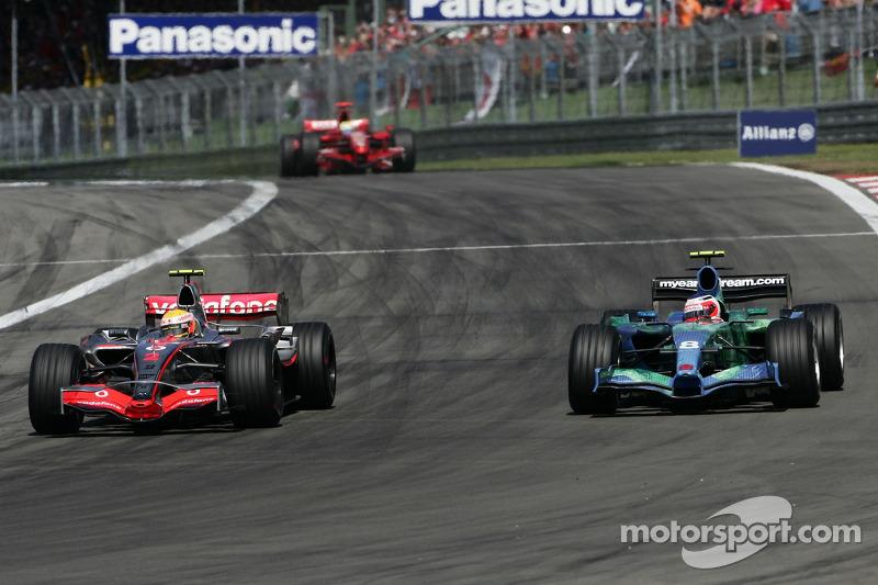Felipe Massa, Scuderia Ferrari, F2007 y Rubens Barrichello, Honda Racing F1 Team, RA107