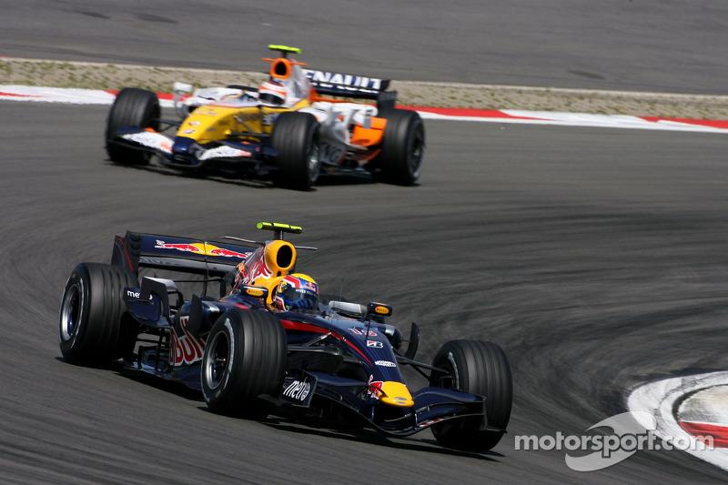 Mark Webber, Red Bull Racing, Heikki Kovalainen, Renault F1 Team