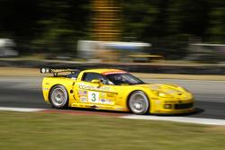 #3 Corvette Racing Corvette C6-R: Johnny O'Connell, Jan Magnussen