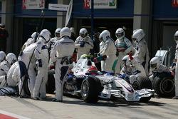 Robert Kubica,  BMW Sauber F1 Team pit stop