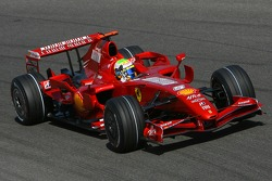 Felipe Massa, Scuderia Ferrari, F2007 waves to the tifosi