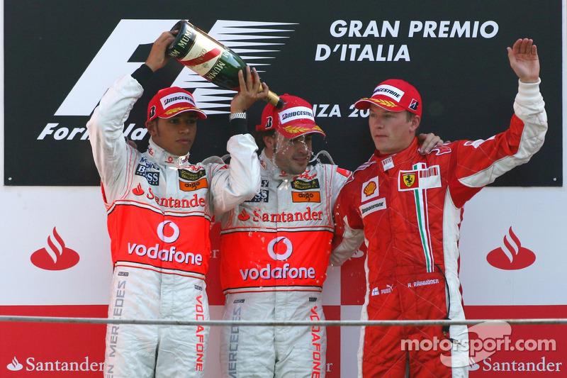 2007. Подіум: 1. Фернандо Алонсо, McLaren-Mercedes. 2. Льюіс Хемілтон, McLaren-Mercedes. 3. Кімі Райкконен, Ferrari