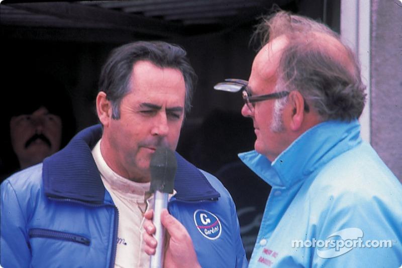 Jack Brabham pendant une interview
