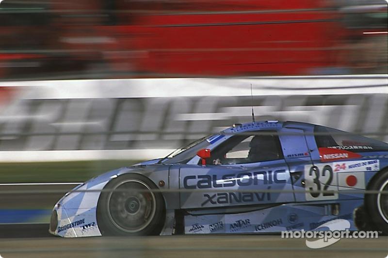 #32 Nissan Motorsport Nissan R390 GT1: Kazuyoshi Hoshino, Aguri Suzuki, Masahiko Kageyama