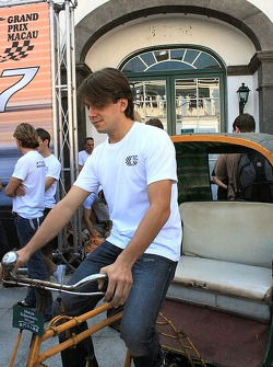 Augusto Farfus tries out the pedicab's driving position