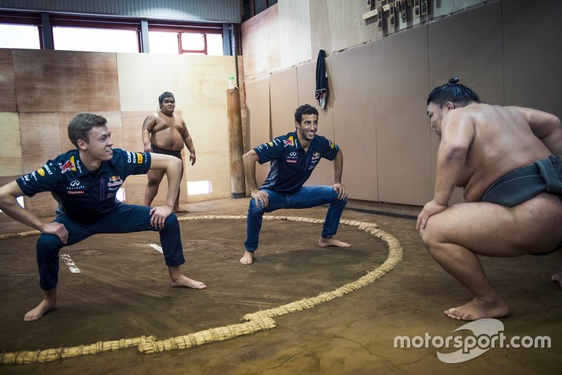 Daniel Ricciardo, Red Bull Racing and Daniil Kvyat, Red Bull Racing with Sumo wrestlers
