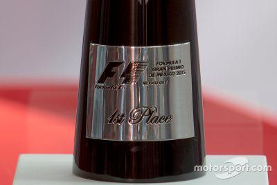Presentación del Trofeo para el GP de México