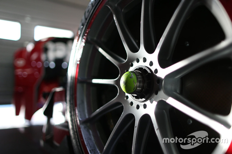 Audi RS 5 DTM wheel detail