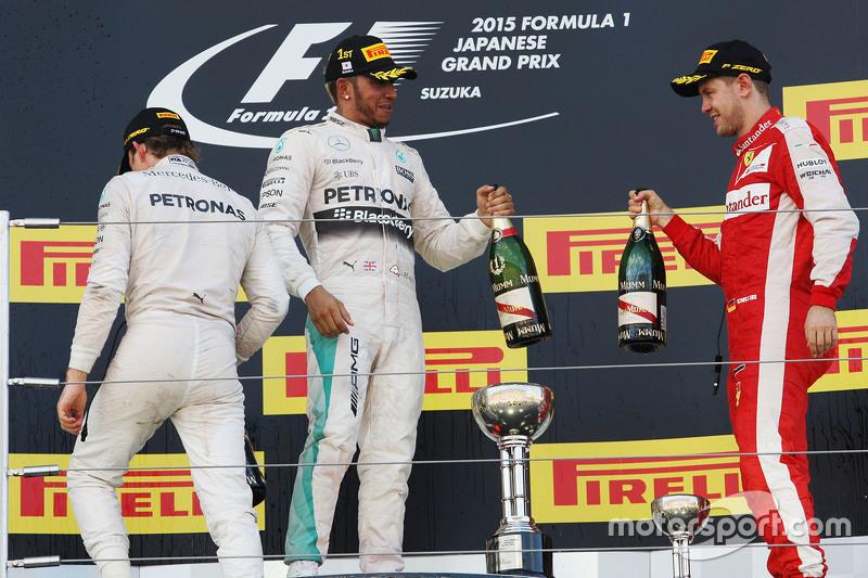 Podium: Race winner Lewis Hamilton, Mercedes AMG F1 Team, second place Nico Rosberg, Mercedes AMG F1