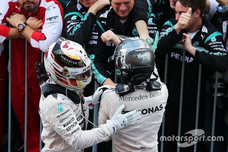 Race winner Lewis Hamilton, Mercedes AMG F2