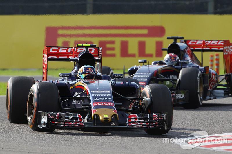Carlos Sainz Jr., Scuderia Toro Rosso STR10 leads team mate Max Verstappen, Scuderia Toro Rosso STR10