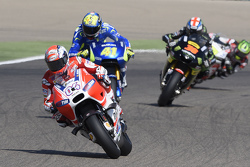 Андреа Довициозо, Ducati Team, Алеш Эспаргаро, Team Suzuki MotoGP и Брэдли Смит, Tech 3 Yamaha