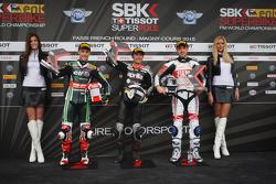 Superpole : le deuxième Jonathan Rea, Kawasaki Racing Team, le poleman Leon Haslam, Aprilia Racing Team, et le troisième Niccolò Canepa, Althea Racing