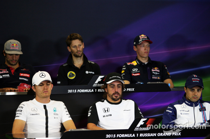 Carlos Sainz Jr., Scuderia Toro Rosso; Romain Grosjean, Lotus F1 Team; Daniil Kvyat, Red Bull Racing; Nico Rosberg, Mercedes AMG F1; Fernando Alonso, McLaren; Felipe Massa, Williams