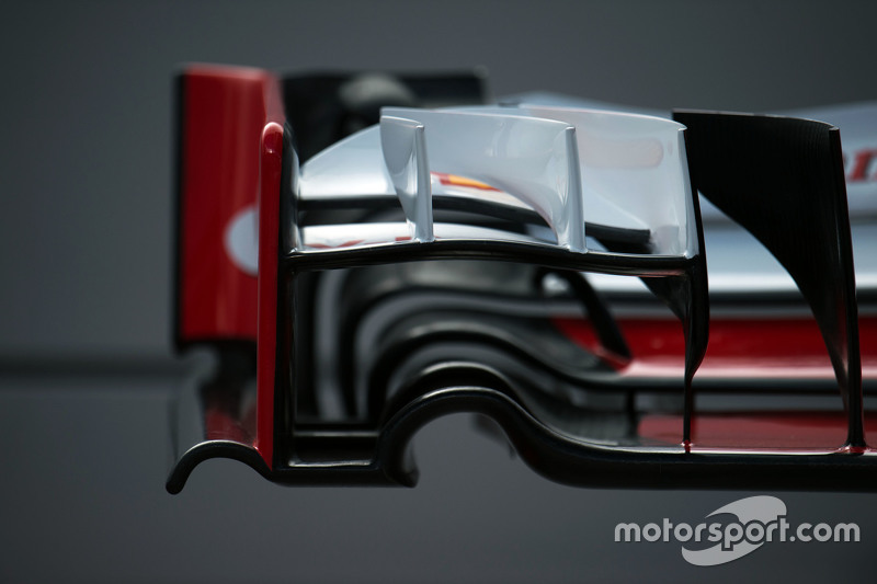 Ferrari SF15-T front wing detail