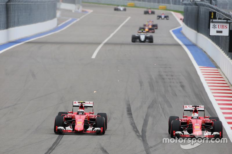 Kimi Raikkonen, Ferrari SF15-T and Sebastian Vettel, Ferrari SF15-T battle for position