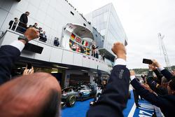 Sergio Pérez, Sahara Force India F1 celebra su tercer lugar en el podio
