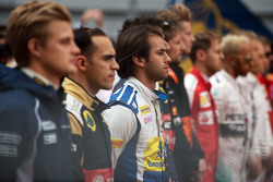 Фелипе Наср, Sauber F1 Team во время исполнения национального гимна