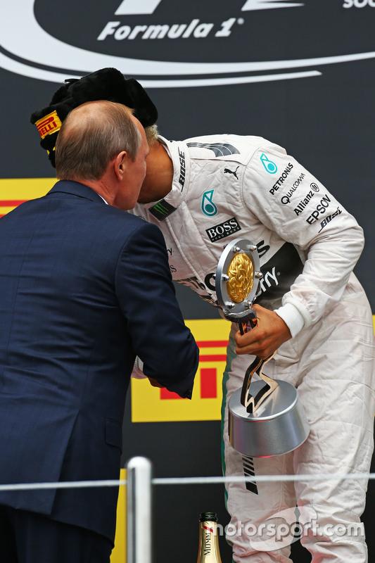 Lewis Hamilton, Mercedes AMG F1 com Vladimir Putin
