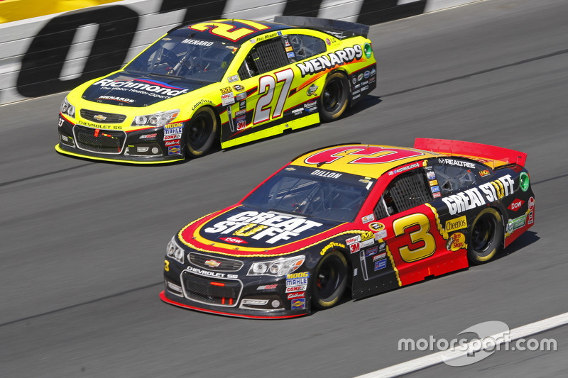 Paul Menard, Richard Childress Racing Chevrolet and Austin Dillon, Richard Childress Racing Chevrole