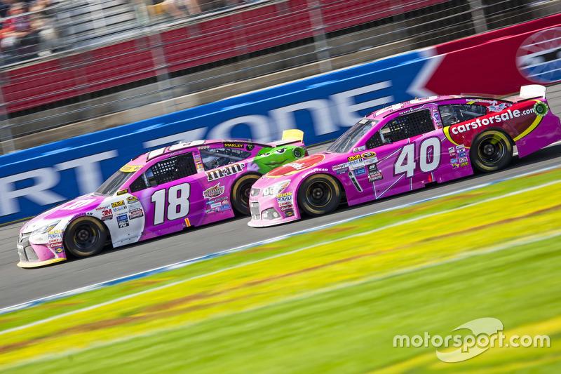 Kyle Busch, Joe Gibbs Racing Toyota and Landon Cassill, Hillman Circle Sport LLC Chevrolet