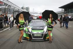 Gridgirls für #16 Yaco Racing Audi R8 LMS ultra: Rahel Frey, Philip Geipel