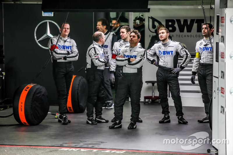 Mercedes pit ekibi