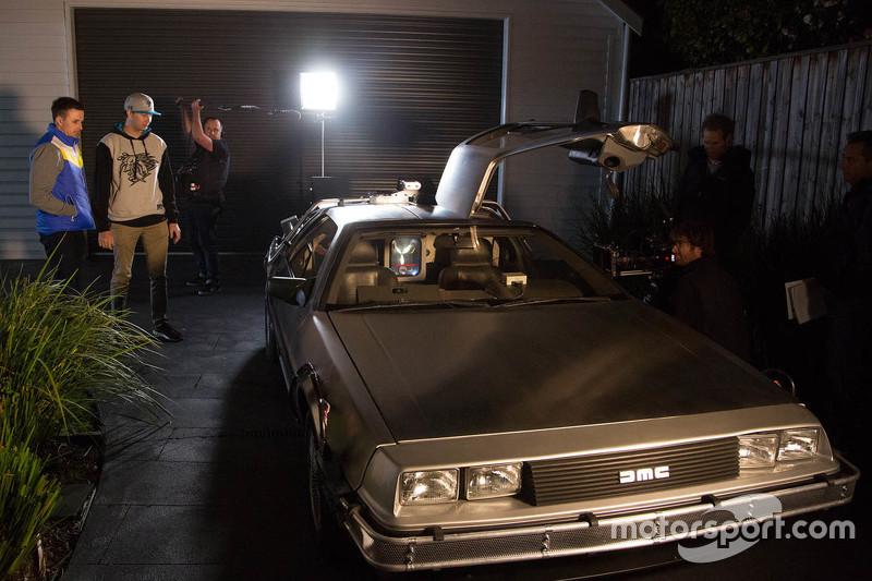 Марк Вінтерботтом та Чез Мостерт разом з DeLorean