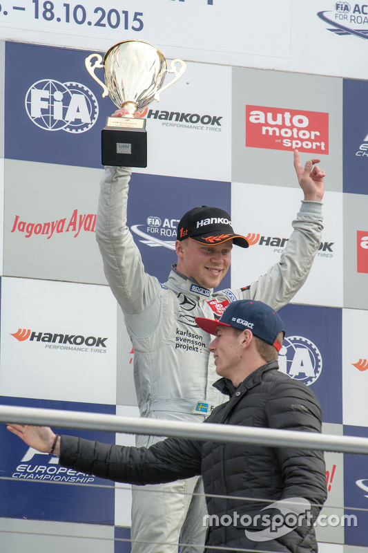 Race 3 winner Felix Rosenqvist, Prema Powerteam Dallara Mercedes-Benz and Max Verstappen