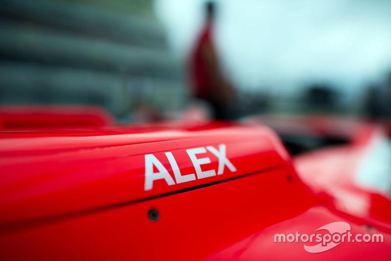 Manor F1 Team машина для Александер Россі, Manor F1 Team на піт-лейні