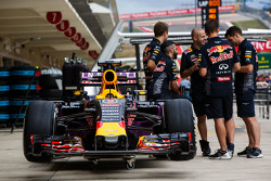 Red Bull Racing RB11 von Daniel Ricciardo, Red Bull Racing, in der Box