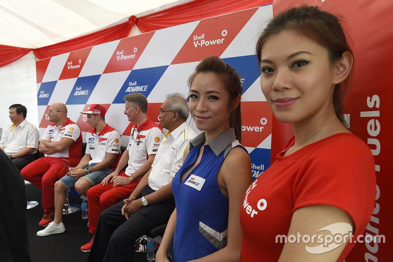 Lovely Ducati girls