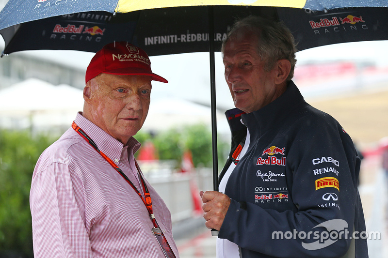 (L to R): Niki Lauda, Mercedes Non-Executive Chairman with Dr Helmut Marko, Red Bull Motorsport Cons