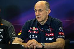 Franz Tost, Scuderia Toro Rosso Director del Equipo en la conferencia de prensa de la FIA