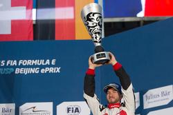Podium: derde plaats Nick Heidfeld, Mahindra Racing