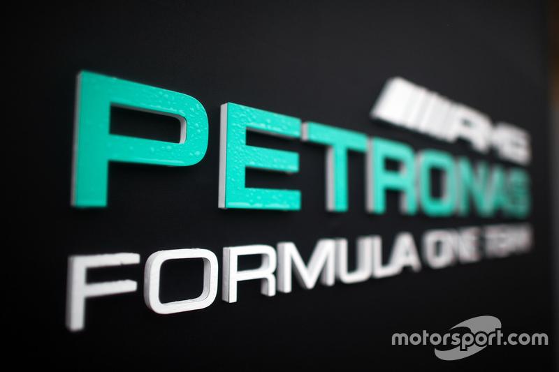 Mercedes AMG F1 logosu