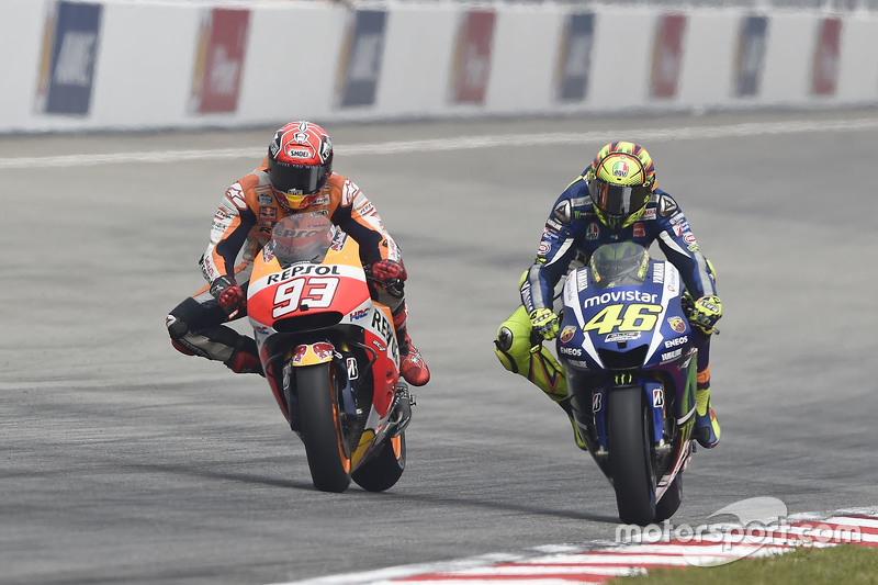 Marc Marquez provocou Valentino Rossi e acabou tirado da prova pelo italiano