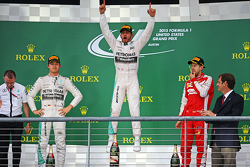 Podium : le vainqueur Lewis Hamilton, Mercedes, le deuxième, Nico Rosberg, Mercedes et le troisième, Sebastian Vettel, Ferrari