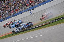 Restart: Jimmie Johnson, Hendrick Motorsports Chevrolet, mit Dreher