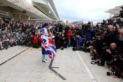 Льюис Хэмилтон, Mercedes AMG F1 Team празднует свой третий чемпионский титул