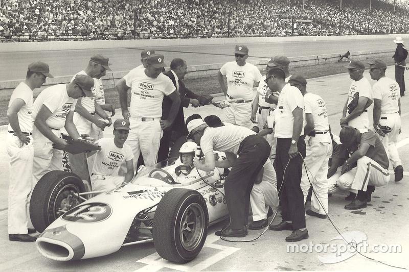 Маріо Андретті та команда механіків, Indy 500