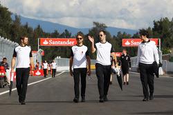 Дженсон Баттон, McLaren изучает трассу с командой