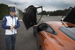 Felipe Massa al volante della Jaguar C-X75